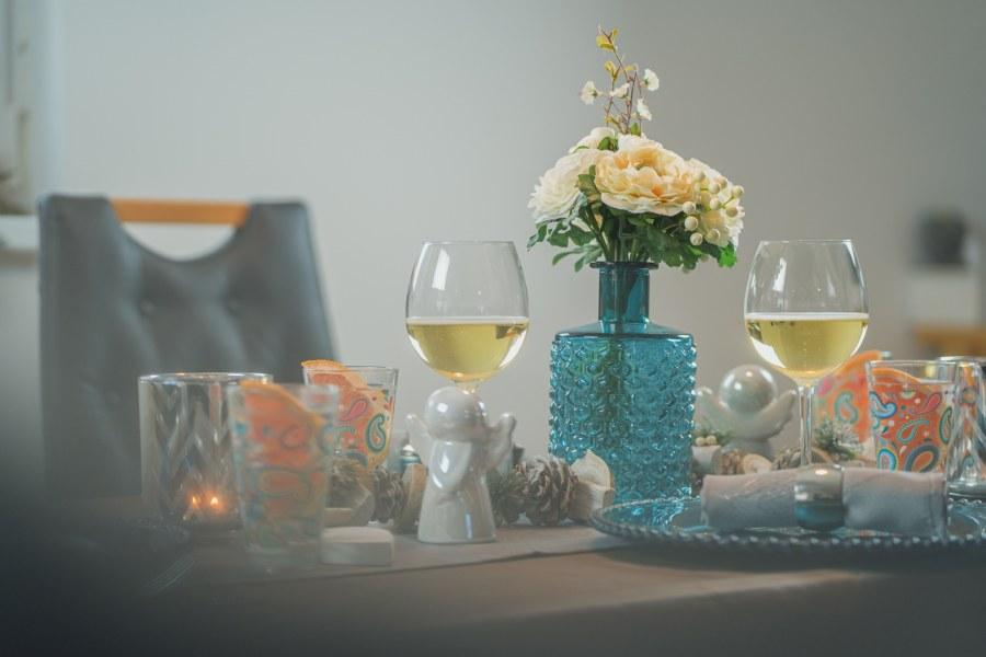 Skleněná váza s vystouplým vzorem