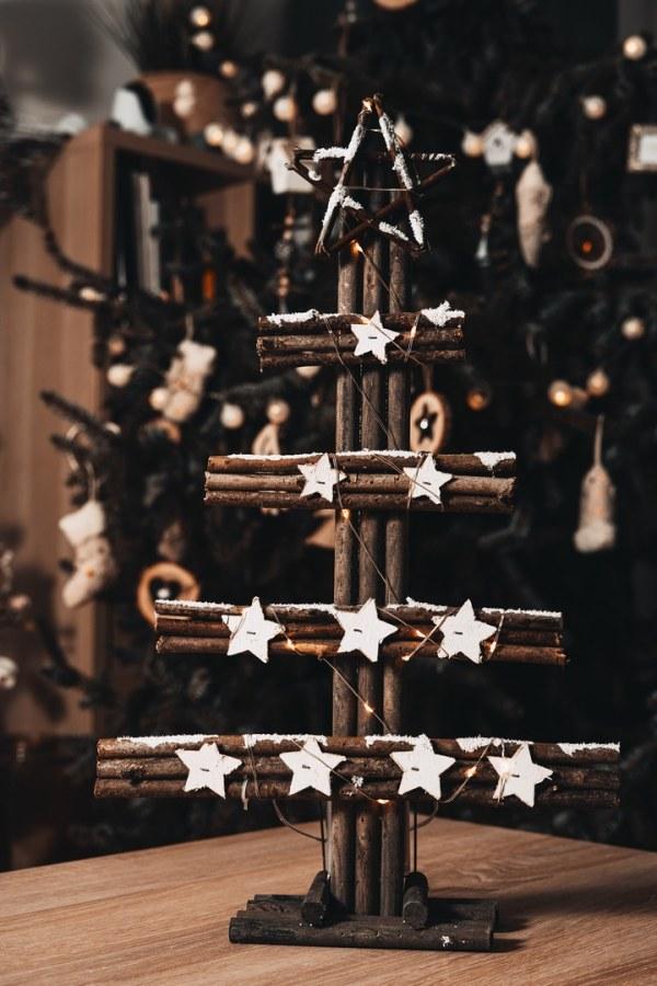 Svítící dřevěný vánoční stromeček - LED